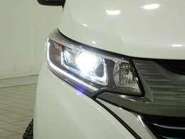 LEDヘッドライト!より明るく遠くまで照らすLEDを採用。