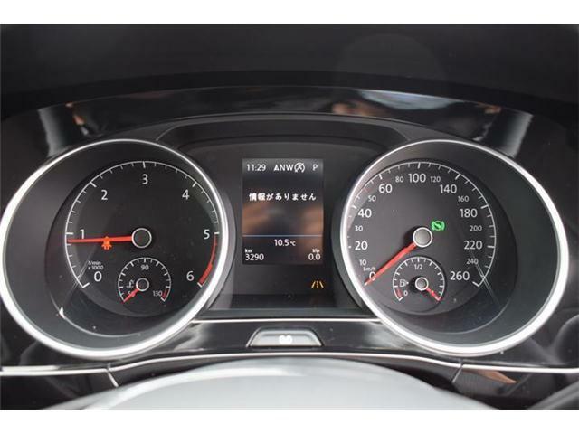 フルカラーマルチファンクションインジケーター(時刻、瞬間/平均燃費、走行距離、平均速度、運転時間、外気温度)、シートベルト警告装置、タイヤ空気圧警告灯。