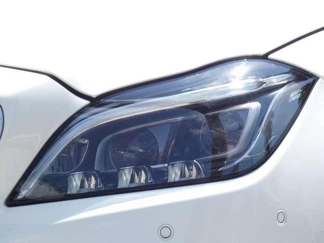 最新鋭のマルチビームLEDヘッドライトを採用!状況に応じて照明モードを自動的に切り替える事で、視認性を高めるインテリジェントライトシステムも搭載しております!TEL:047-390-1919