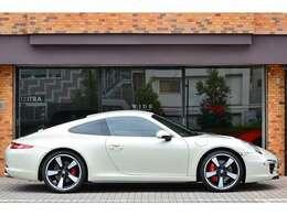 世界限定車『Porsche 911 50th Anniversary Edition』が入庫致しました。