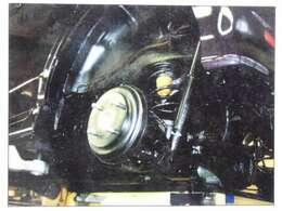 下廻りの防錆も自社工場完備の当社にお任せください。冬期間の凍結防止剤による錆付きを抑制します。