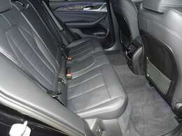 リヤシートはISO FIX対応でチャイルドシートの脱着も簡単です。