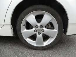 お買い得な軽自動車からミニバンまでラインナップしております。在庫車にないお車もご予算に合わせて探すことも可能です!タイヤ新品!!