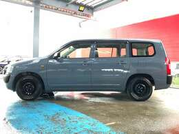 カローラバンの後継車として、ビジネスカーの革新を目指して作られたビジネスワゴンですが、最近ではアウトドアブームで注目されている1台です!