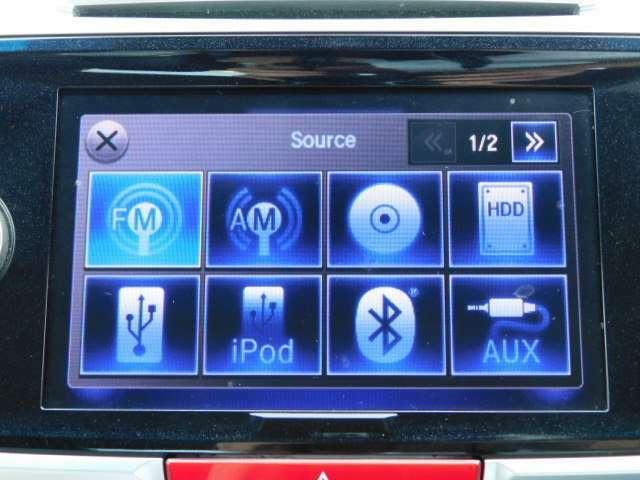 扱いやすい位置に操作専用の5.8インチ大型液晶のタッチスクリーンを装備。目的の操作に必要なアイコンやボタンのみを、分かりやすく大きく表示し、直感的な操作が可能。