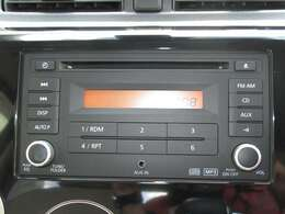 純正オーディオ装備しております!CD再生やAUX接続可能です!