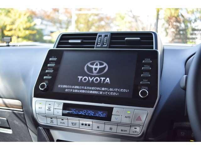 スマホ連携が可能な9インチのディスプレイオーディオを装備!対応のアプリを画面に表示・操作可能でLINEカーナビでは音声認識で目的地設定や、音楽再生も可能。バックカメラ・ラジオ・Bluetoothも標準装備です。