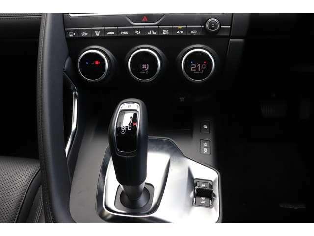 E-PACEにはほかの車両にはない、遊び心がちりばめられていて、乗る人を飽きさせない車両になっています。