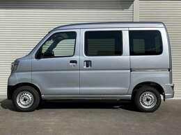 支払い総額は神奈川県内登録、店頭納車の金額になります。県外登録、ご自宅などのご納車をご希望のお客様はお問い合わせ下さい。