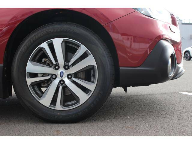 【タイヤ&ホイール】純正18インチアルミホイールを設定、タイヤサイズは225/60R18を設定しております。