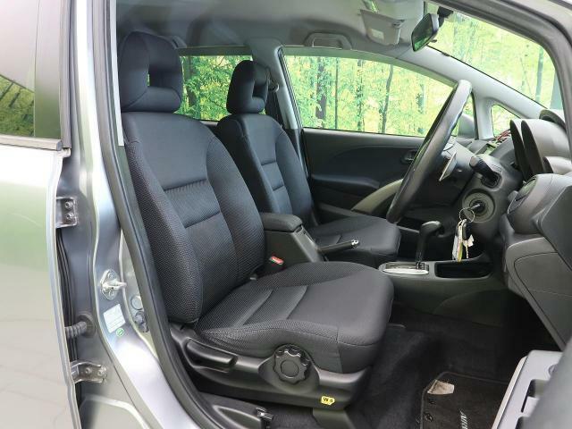 高級感たっぷりの「ブラックファブリックシート」!!汚れが目立ちにくく、優雅にドライブをお楽しみいただけます♪座り心地もバッチリです☆是非一度ご体感下さいませ!!