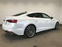Audi A5 Sportback 40 TDI quattro S line/アルミホイール マルチスポークデザインコントラストグレー 8.5Jx19プライバシーガラス/
