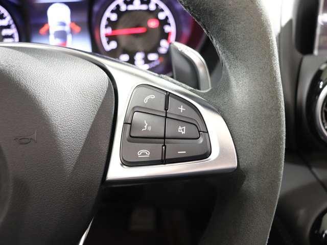ステアリングから手を離さずにオーディの操作ができますので、ドライバーに快適な運転操作に貢献します☆