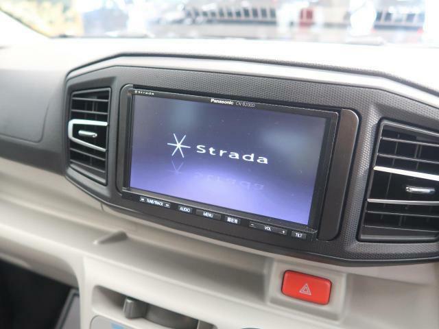 【SDナビ】SDミュージックサーバーも搭載なのでSDカード挿入で音楽の録音もできます!!はめ込み式で車内との一体感もあります♪