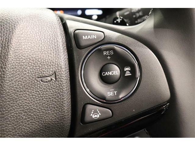 クルーズコントロール装備☆スピードを一定で保ち高速道路等で楽に運転できます。またアクセルもスムーズで燃費の向上にも寄与しますよー