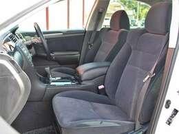 内装ももちろんクリーンナップ済みですので気持ちよくお使いいただければと思います運転席にパワーシートが付いています無段階でお好みのポジションにセットでき細かく自分仕様のシートポジションへ設定可能!