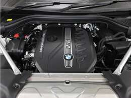 出力326ps最大トルク/回転数 kg・m/rpm69.3/2750 のパワーは伊達ではありません!