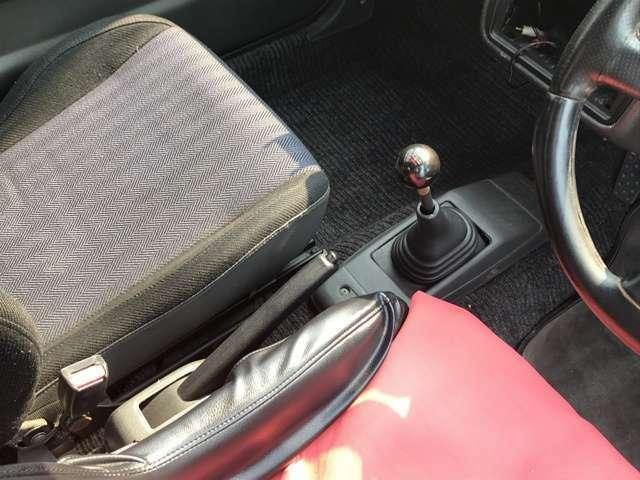 お車のご説明からご契約時の書類、保険等細かなことまでキッチリとご説明差し上げます。