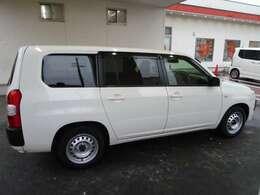 車体色は白色になります!お問合せはページトップのフリーダイヤル、もしくは0564-57-0123まで!