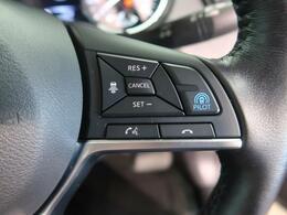 【エマージェンシーブレーキ】フロントカメラなどで前方の車両や歩行者を検知。自動的に緊急ブレーキを作動させて衝突を回避、または衝突時の被害や傷害を軽減します。