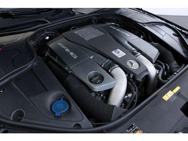 5.5L V型8気筒DOHCツインターボ