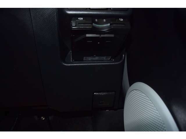 ☆パーツ☆アルミホイル・ローダウンサス・車高調・レザー調シートカバー・HIDヘッドライト・各種エアロ・ナビゲーション・バックモニター・ETCなどご予算に合わせて新品・中古パーツも販売・取付け可能です。