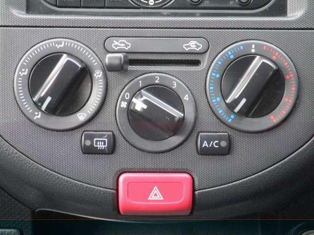 ☆マニュアルエアコンです。お好みあわせて何時でも快適ドライブを。