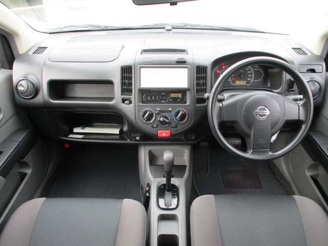 ☆機能的な運転席周りで、シンプルなデザインなので運転に不慣れな方もあんしんです。