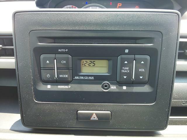 純正CDプレーヤー搭載です。