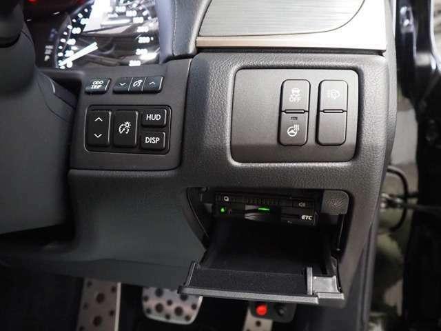 ☆HUD!ETC!ヘッドライトウォッシャー!電動テレスコ!ステアスイッチ!トランクスポイラー!運転席シートメモリー!