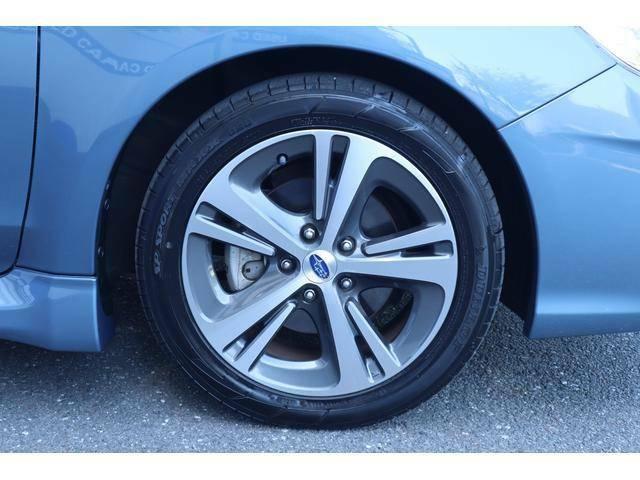 タイヤサイズが17インチなので交換時のコストを抑えられます