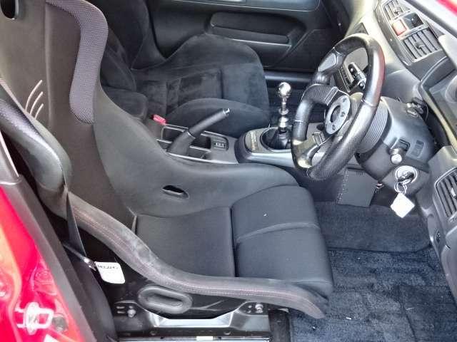 運転席シートのみ変更済み!レカロ製フルバケシートです!