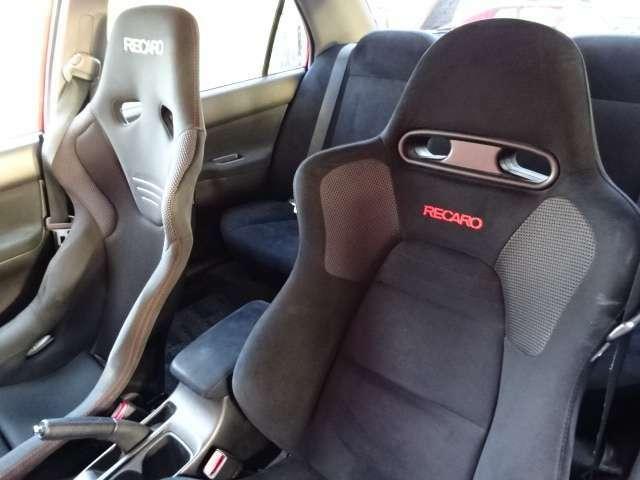助手席シートは純正レカロです!変更等ご相談下さい!