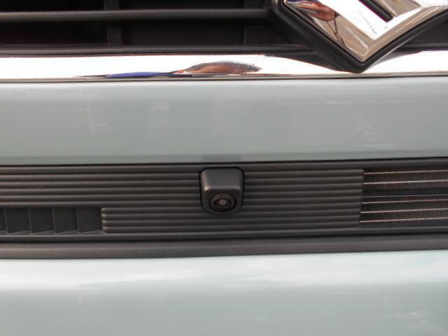 全方位モニター用カメラパッケージ。車両の前後左右にカメラが付いており、バック時に上から俯瞰したような画像を確認することが出来ます