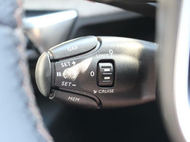 アクティブクルーズコントロール。レーンキープ機能搭載。安心の運転支援システムです