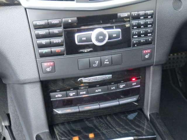 オーディオ操作パネル&シートヒータースイッチ&エアコンパネルなど。