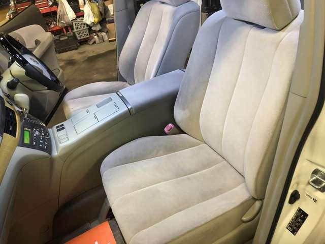 助手席シートもクリーニング済みですがさらに納車前には綺麗にします!