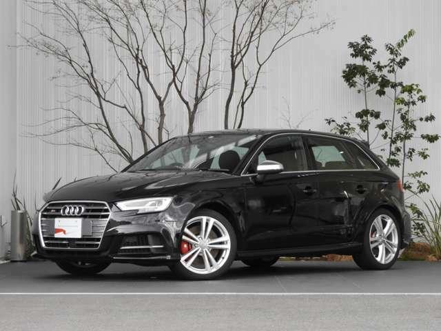 【外装】Audiのデザインはタイムレスでなければならない」これはAudiのチーフデザイナー、マーク・リヒテの言葉です。時を越えて美しく、魅力的であることを目指して、Audiは極力シンプルなデザインを追求しています