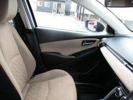 特別仕様車テーラードブラウンは高級感のあるグランリュクス素材のシート生地及び内装を採用。肌触りの良いスウェード調の触り心地です。