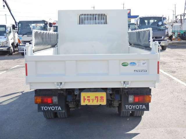 車両総重量4795kg 最大積載量2000kg