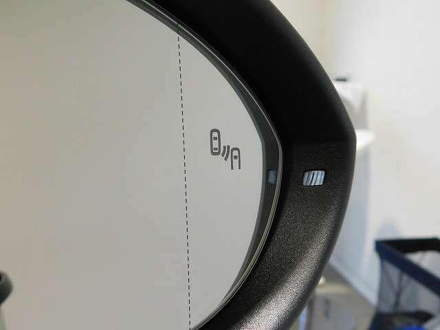 ブラインドスポットディテクション(後方死角検知機能)☆リアバンパー内蔵のレーダーセンサーでドライバーから見えにくい、側面と後方の死角を見張ります。