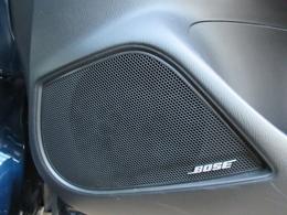 BOSE社と共同開発により、臨場感もあるリアルサウンドを再現!室内空間にチューニングを施し音響システムをメーカーセットオプションでご用意しました。