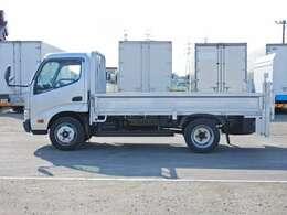 車両総重量5915kg 最大積載量3000kg