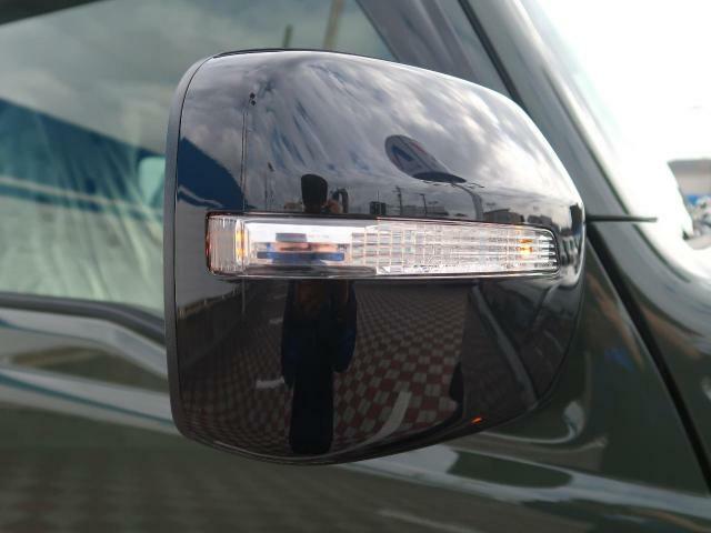 付いているだけで高級感のUPするウィンカー内蔵サイドミラー♪もちろん見た目だけでなく、対向車からの視認性の向上につながり、安全度もUP☆