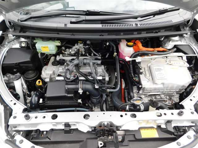 1.5リッターガソリンエンジンXモーターのハイブリッドシステム。  『まるまるクリーン』施工済みです◎内外装、エンジンルームもピカピカ☆