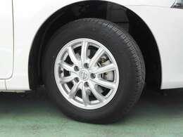 純正アルミホイール タイヤサイズは195/65R15です。