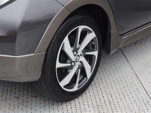 タイヤサイズは175/60R16!純正アルミホイール!残り溝は5ミリ程度です!