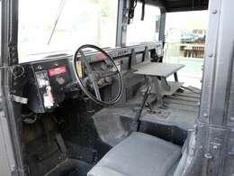 HMMWV 入荷です。この車両は現状販売となります。仕上げる事も可能ですのでお気軽にお問合せください!