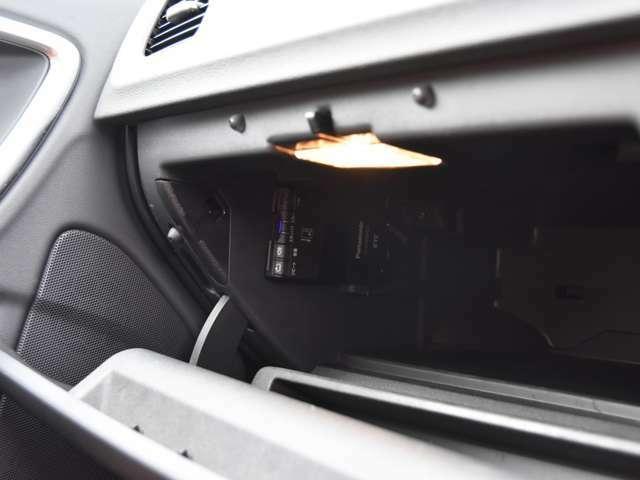 【ボルボ専門店としての徹底した納車前整備】91項目に及ぶ納車前整備では、中古車としてオーナーが切り替わるタイミングで徹底したリフレッシュを施します。