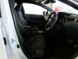 ドライバーの方と助手席の方が座るシートです。実際にお座り頂くのが、一番わかりやすいと思いますのでお気軽にご来店下さいませ。